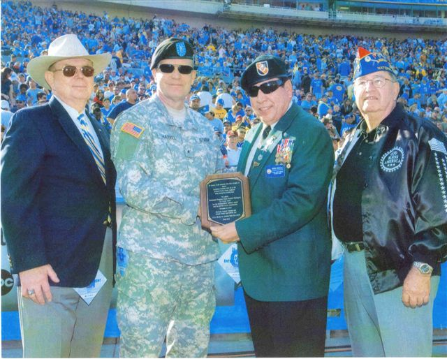 SGM Ramon Rodriguez recieves Veteran of the Year award, July 2009