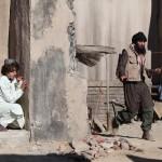 Ari Skye (Akhtar) hiding from Oren Dayan (Kaaseb), the Taliban