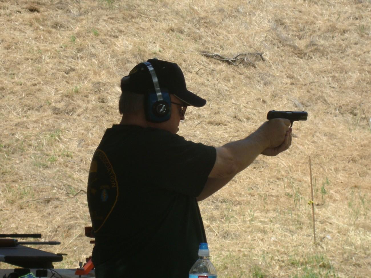 Ed Barrett shooting the Colt Model 1903 Generals pistol